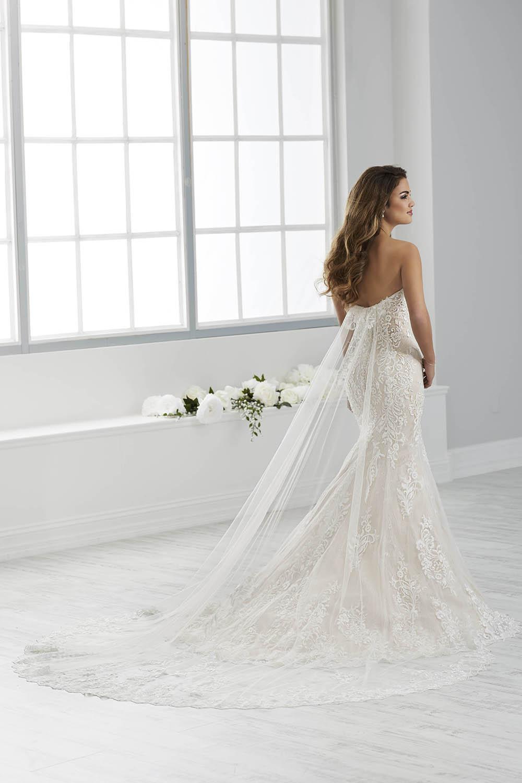bridal-gowns-jacquelin-bridals-canada-26109