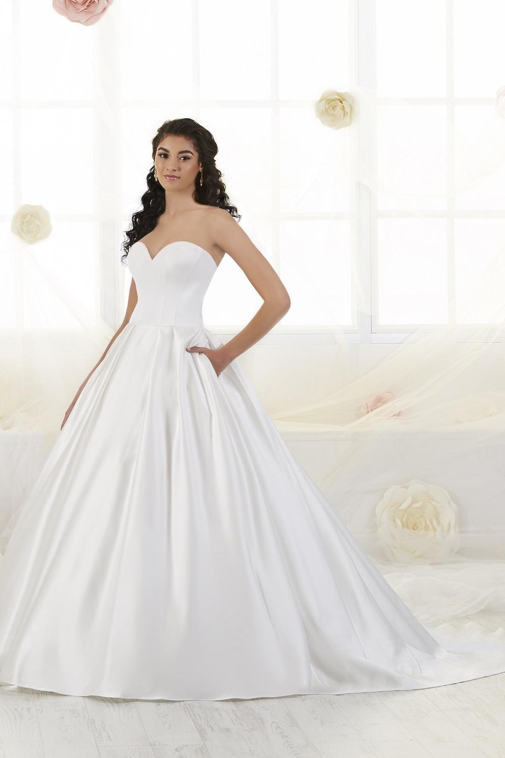bridal-gowns-jacquelin-bridals-canada-26300