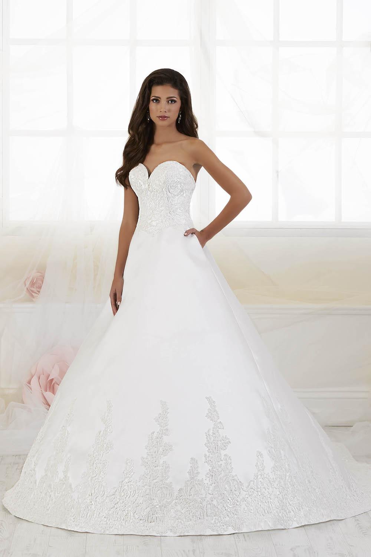 bridal-gowns-jacquelin-bridals-canada-26301