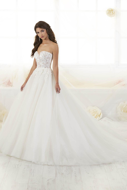 bridal-gowns-jacquelin-bridals-canada-26303