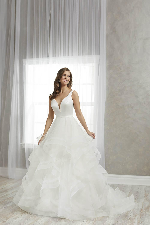 bridal-gowns-jacquelin-bridals-canada-27245