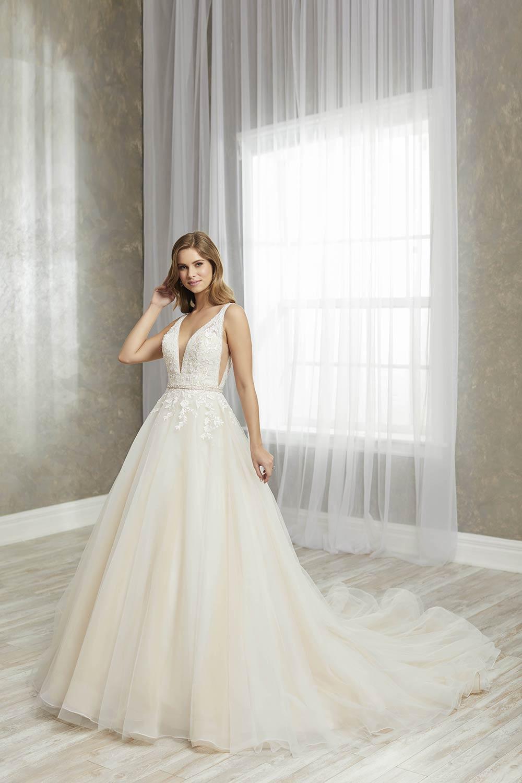 bridal-gowns-jacquelin-bridals-canada-27248