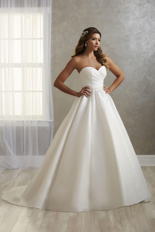 bridal-gowns-jacquelin-bridals-canada-26805