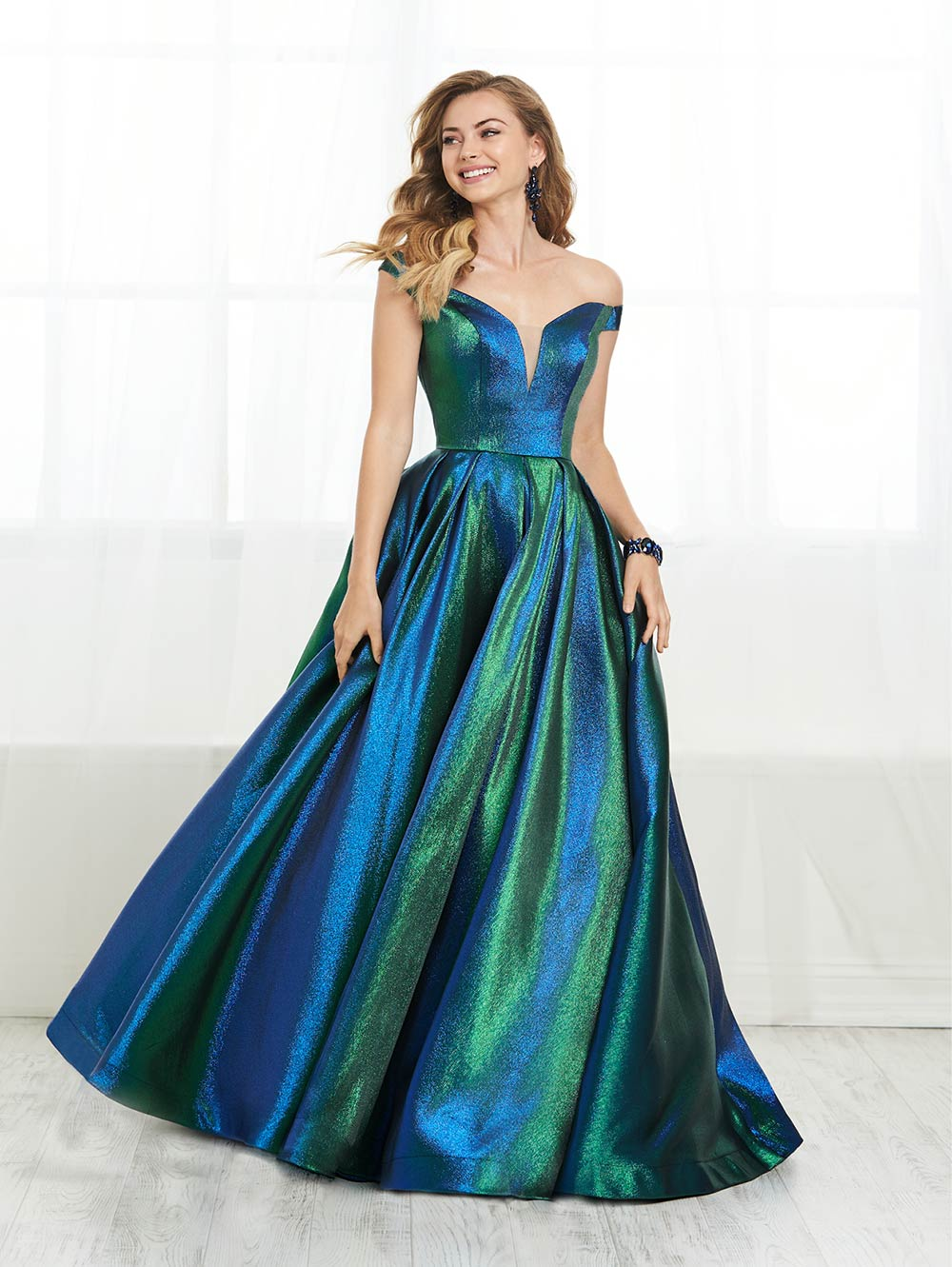 prom-dresses-jacquelin-bridals-canada-27641