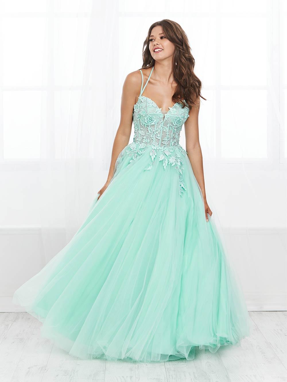 prom-dresses-jacquelin-bridals-canada-27659