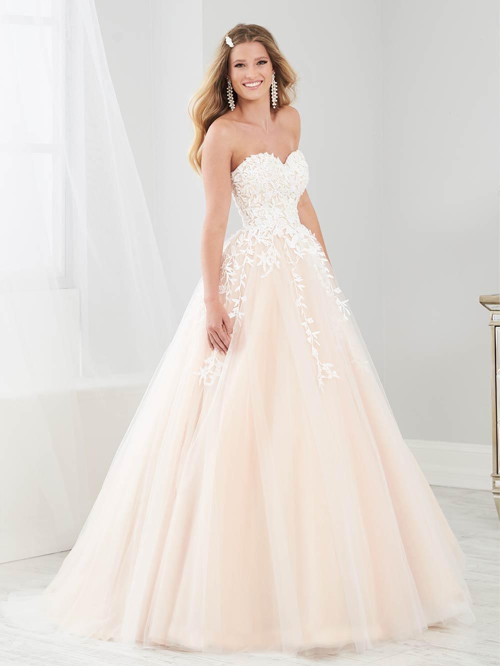 prom-dresses-jacquelin-bridals-canada-27890
