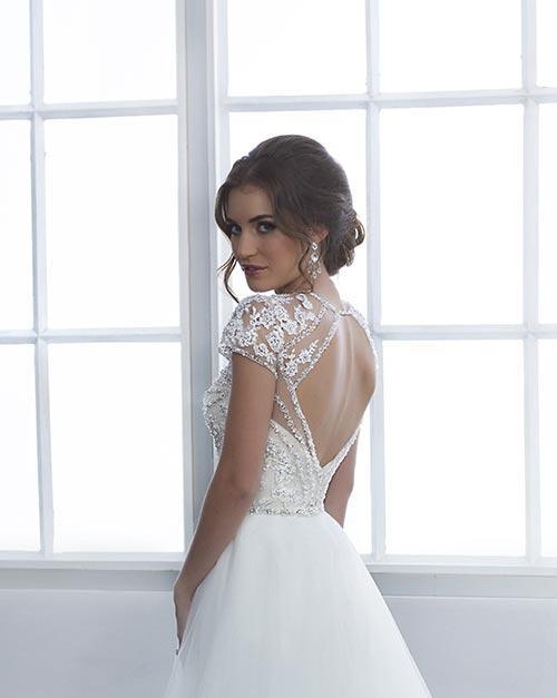 bridal-gowns-jacquelin-bridals-canada-25411