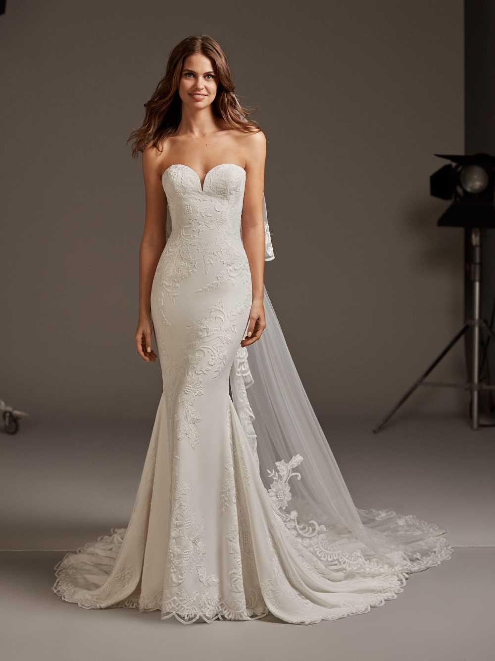 bridal-gowns-pronovias-27482